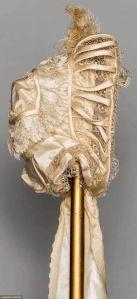 Bonnet de 1850, lateral.