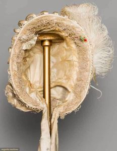 Bonnet de 1850, frente.