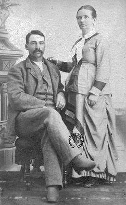 Mulher grávida e seu marido por volta de 1878.