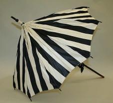 Parasol feito na provavelmente na França entre 1897-1901.