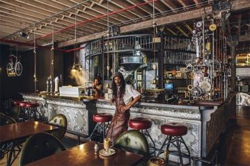 'Truth', uma cafeteria de temática steampunk na Cidade do Cabo.