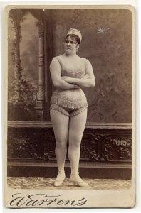 Viola Clifton em 1890.