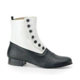 Sapato preto com polaina branca, inspirado no período vitoriano.