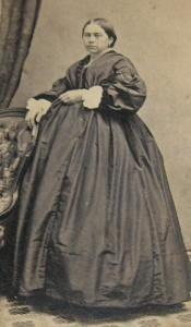 Mulher vitoriana grávida.