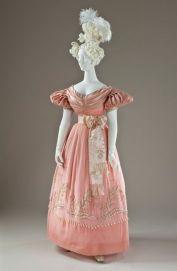Vestido de 1830.