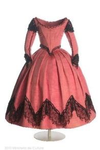 Vestido feito pela princesa Isabela e Bourbon, 1854 - 1866.