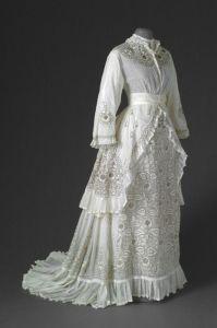 Vestido de verão de 1870.