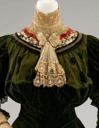 Jabô de um vestido de 1864-1896.