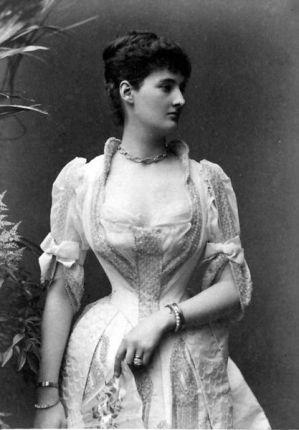 A Duquesa de Leinster, por volta de 1890.