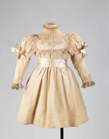 Vestido de festa de 1895.