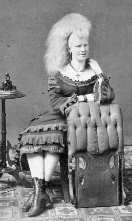 Performance Aggie Zolutia.