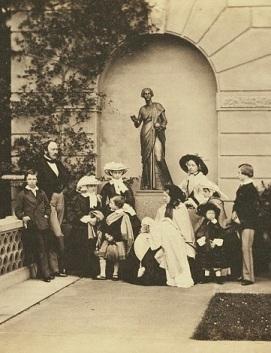 Família real na Osborne House.