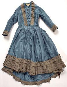 Vestido de seda americano, 1870.