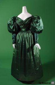 Vestido de tarde de 1830.