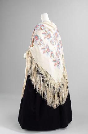 Vestido e chale francês, entre 1840 - 1849.