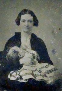 Mulher amamentando, século 19.