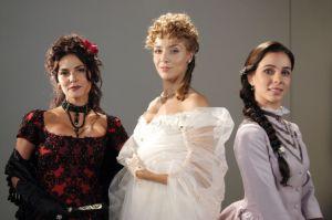 """Christine Fernandes, Carla Regina e Míriam Freeland protagonizaram """"Essas Mulheres""""."""