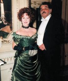 Condessa de Gouvarinho (Eliane Giardini) e Conde de Gouvarinho (Otávio Augusto)