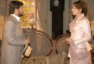 Patrícia Pillar como a Baronesa Cândida e Bruno Gagliasso, como Ricardo.
