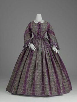 Vestido roxo de meio-luto, 1860.