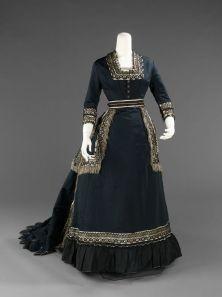 Vestido de meio-luto, 1872-1874. Americano, seda.