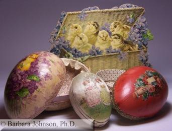 Recipientes de doces em forma de ovos (entre 1890 e 1910).