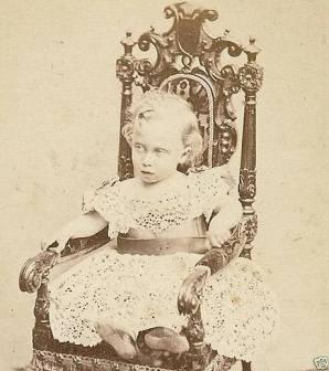 Príncipe Albert Victor de Gales, Duque de Clarence e Avondele.