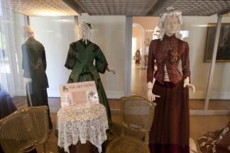 Museu da Baronesa mostra móveis e roupas do século XIX.