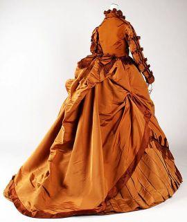 Vestido entre 1867-1871.